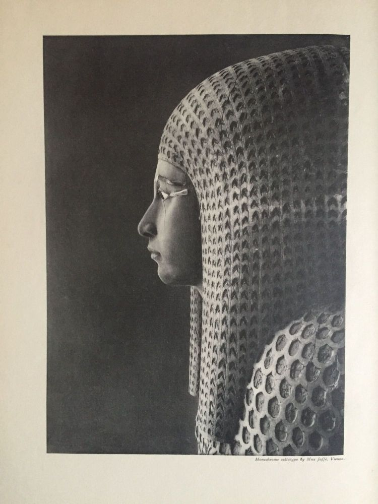 The tomb of Queen Meryet-Amun at Thebes. Photographs by Harry Burton; plans by Walter Hauser and catalogue by Charlotte R. Clark. WINLOCK Herbert E.[newline]M1823b.jpg