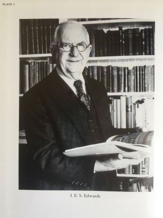 Festschrift Edwards. Pyramid Studies and Other Essays Presented to I. E. S. Edwards.[newline]M3033a-02.jpg