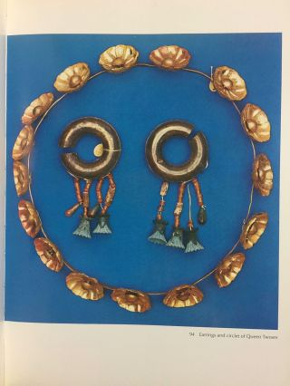 Jewels of the pharaohs. Egyptian Jewelry of the Dynastic Period (abridged version)[newline]M3328-09.jpg